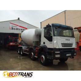 Iveco trakker camión hormigonera 440 año 2005 cuba barybal 10m3